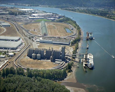 Canpotex potash facility (loop in the upper half of image). Photo: Port of Portland