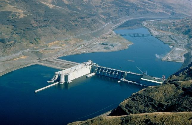 Lower Granite Dam in SE Washington State inundates reservoir water some forty miles to the Idaho border.