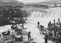 Historic photo of Celilo Falls